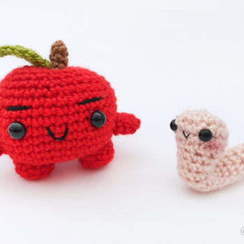 Juanito the Little Apple & Gus the Worm – Crochet Pattern