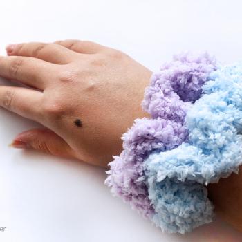 Chunky Scrunchie – FREE Crochet Pattern
